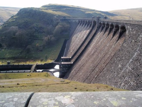 Dog walking Wales -  Elan Village Reservoirs Dam