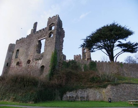Dog Friendly B&B Wales - Laugharne Castle ruins
