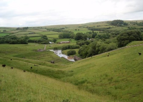 Dog friendly B&B Wales - Usk Reservoir circular dog Walk view from dam path